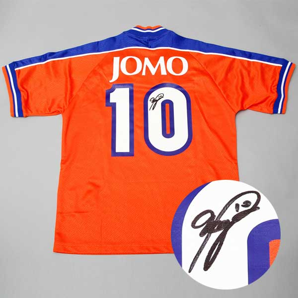 BBM Authentic Collection バッジオ直筆サイン入り 1999 JOMO CUPジャージ [限定3セット]